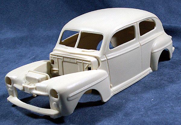 1948 Ford Deluxe 2 Door Sedan